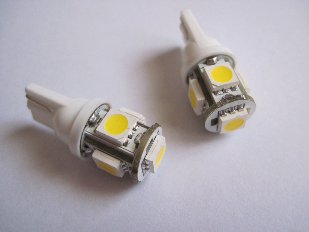awww.aftertech.eu_ebayimages_160498240148_led002.jpg